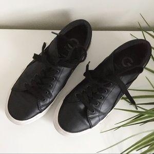 Black Guess Sneakers
